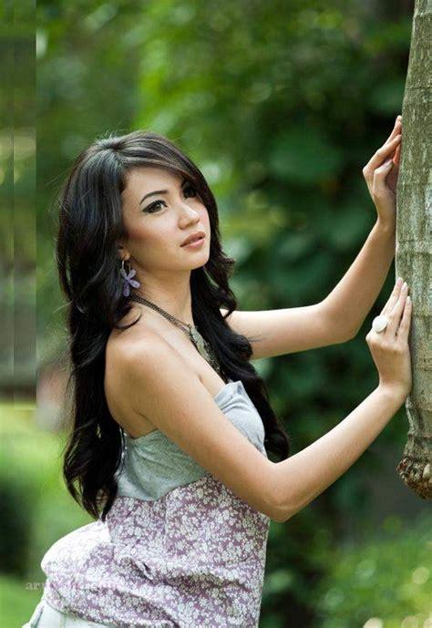 free neked women indonesia foto